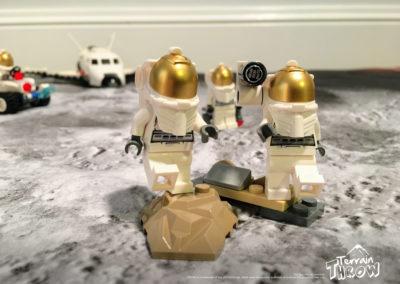 terrainthrow_astronauts